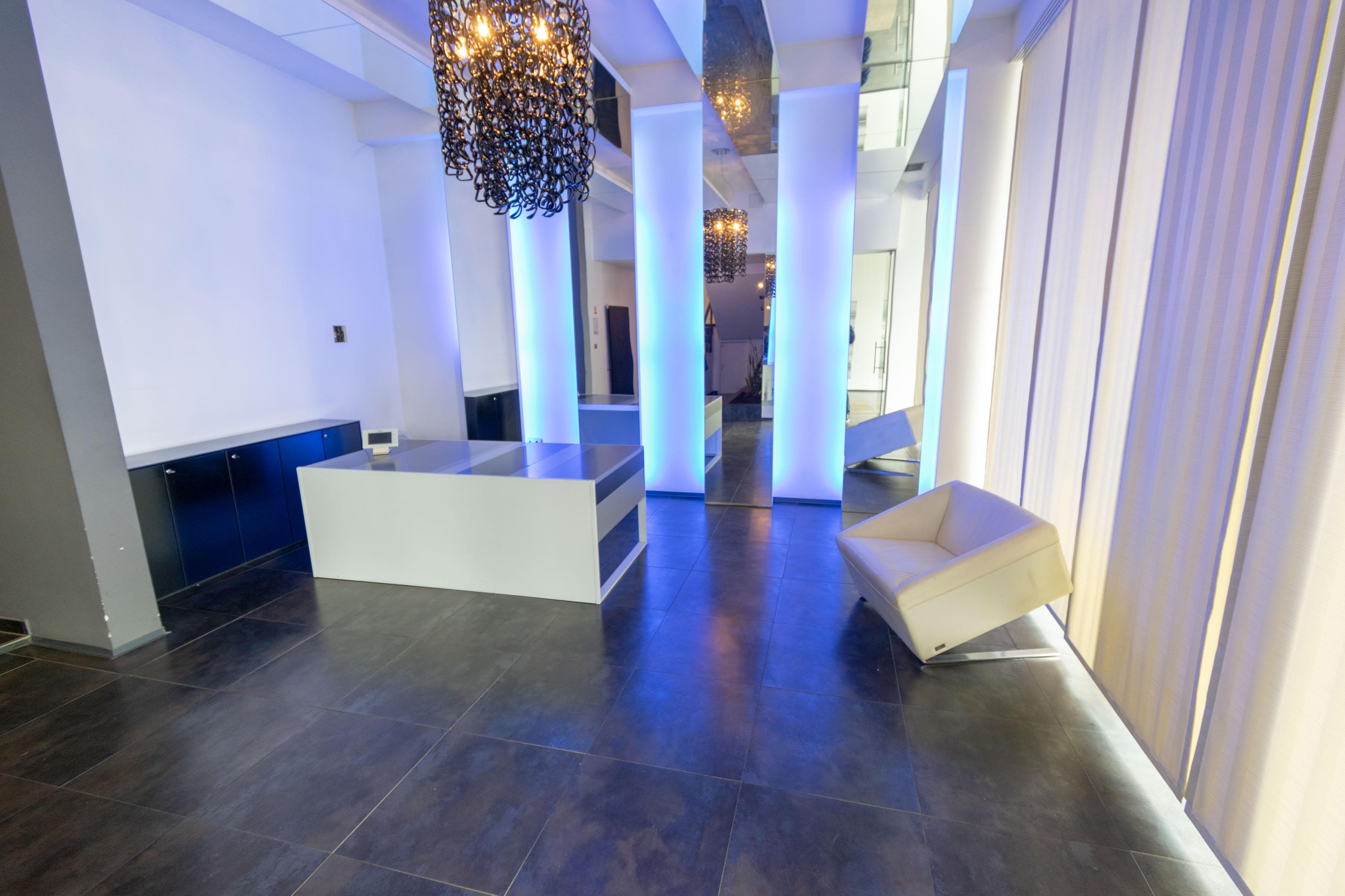 Poslovni prostor: Zagreb (Sigečica), uredski, 420 m2, (iznajmljivanje)