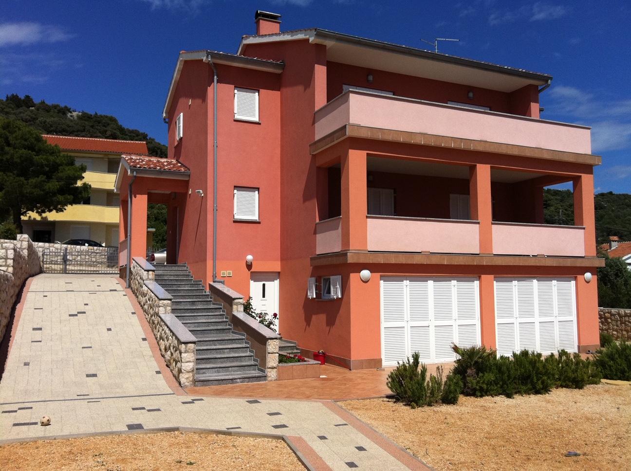 Kuća: Barbat na Rabu, dvokatnica, 288 m2, i zemljište 730m2 (prodaja)