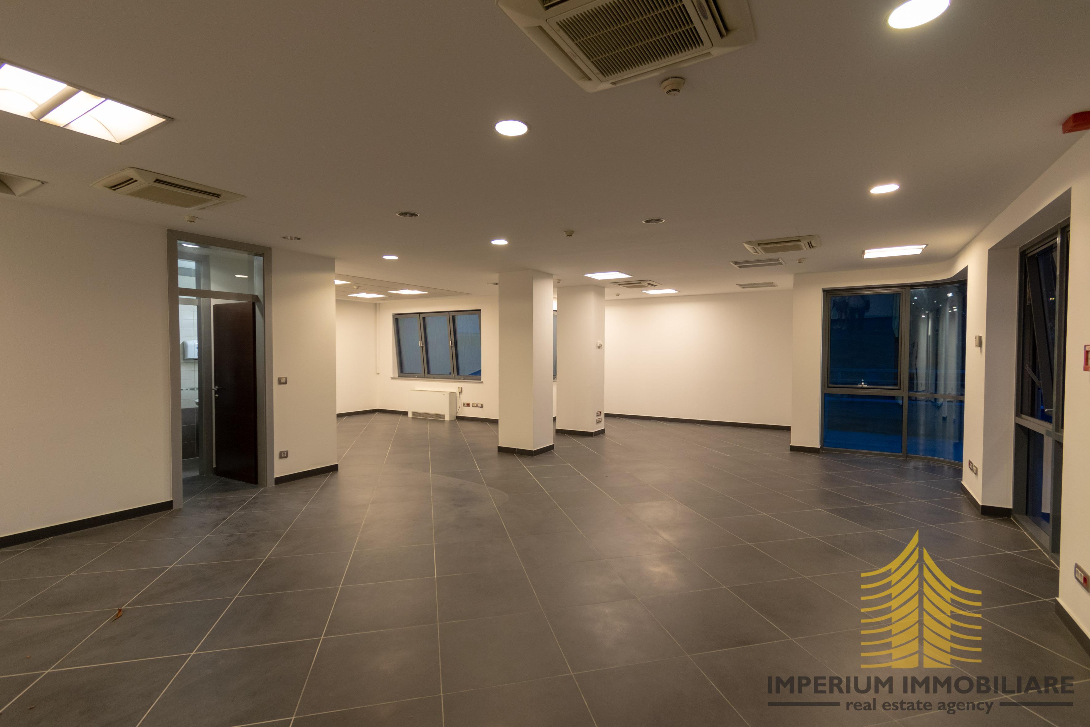 Poslovni prostor: Zagreb (Donji grad), 160 m2, ZVONIMIROVA (iznajmljivanje)