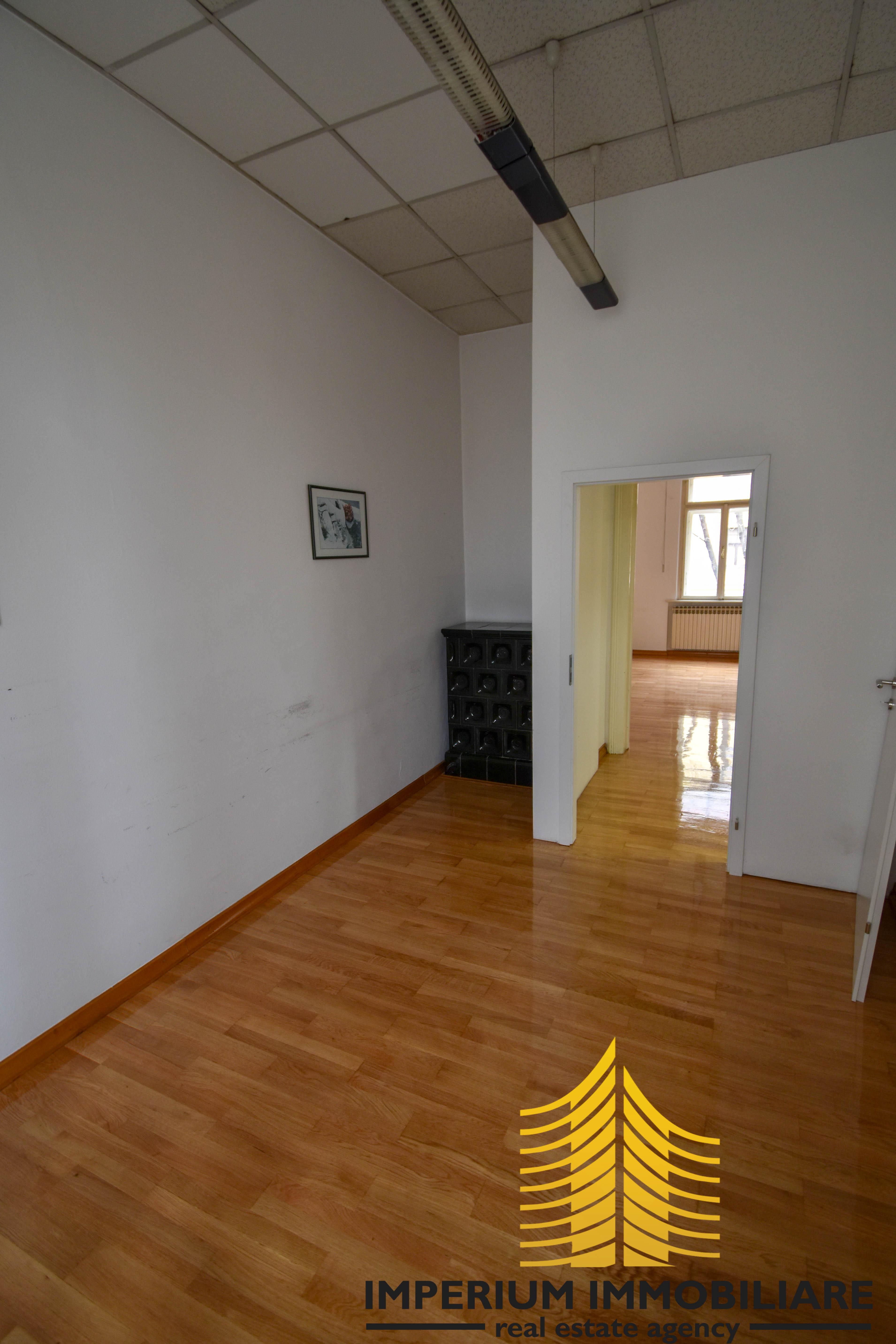 Poslovni prostor: Zagreb (Črnomerec), uredski, 80 m2, ILICA/ČRNOMEREC (iznajmljivanje)